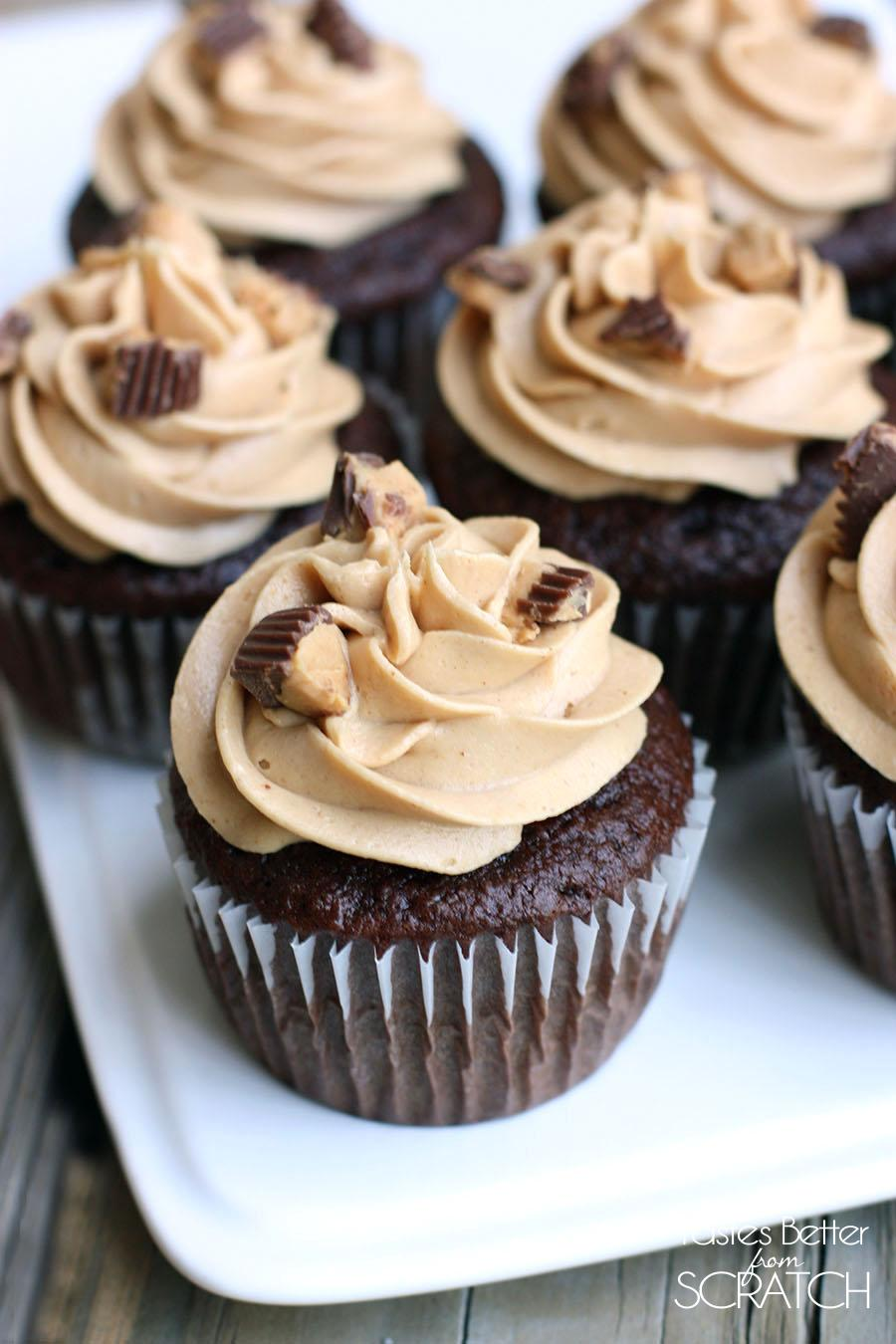 reese\'s peanut butter crumble cupcakes
