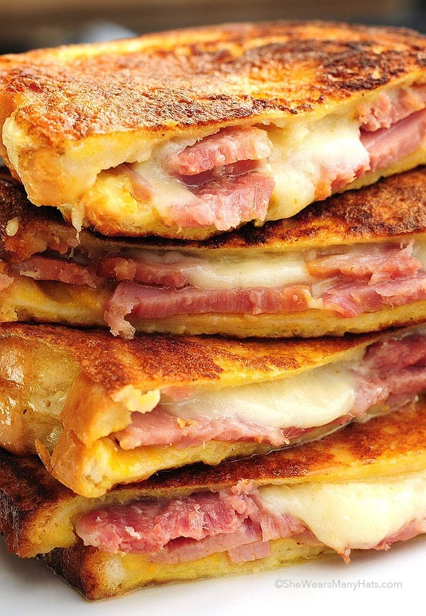 Monte Cristo Sandwich (Fried Ham And Swiss With Red ...