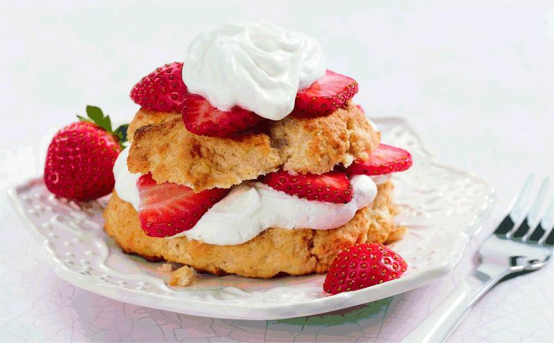 sugar cream berry ginger shortcakes unfussy strawberry shortcakes ...